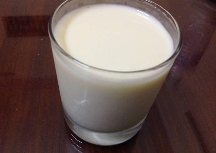Mầm đậu nành đem xay lấy sữa uống tốt cho sức khỏe