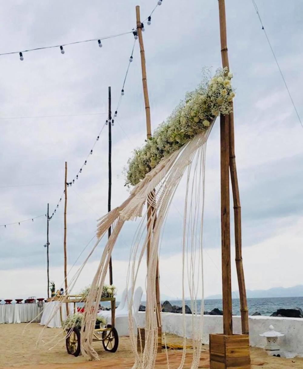Trường Giang, Nhã Phương đính hôn: Resort phong tỏa, 50 bảo vệ đông hơn khách mời - Ảnh 4