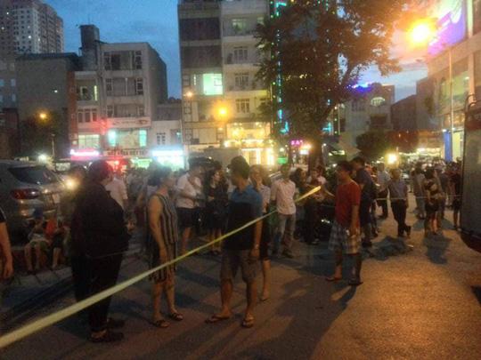 Cháy tòa nhà 23 tầng ở Hà Nội, hàng trăm cư dân bỏ chạy tán loạn - Ảnh 3