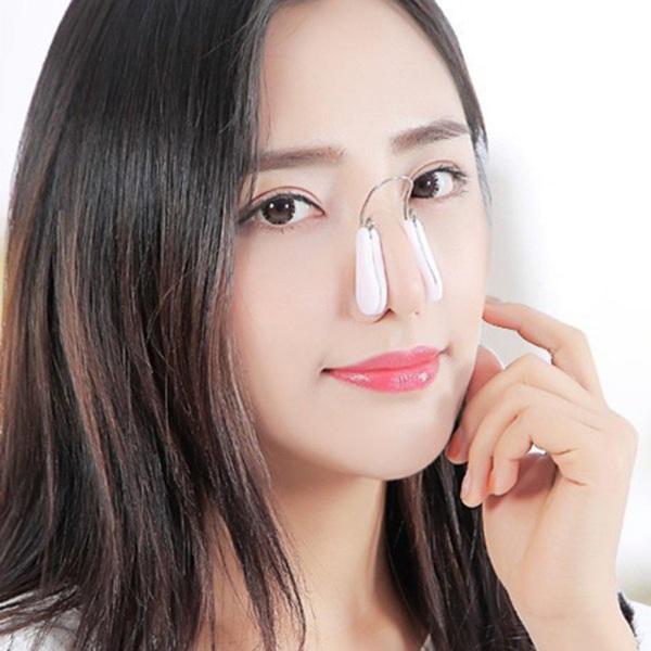 Bị tố sửa mũi, nữ sinh 2K1 tìm đến Hoa hậu Việt Nam để chứng minh mình đẹp tự nhiên - Ảnh 11