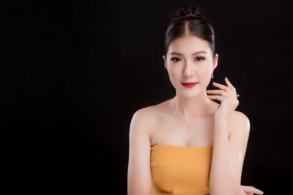 Bị tố sửa mũi, nữ sinh 2K1 tìm đến Hoa hậu Việt Nam để chứng minh mình đẹp tự nhiên - Ảnh 8