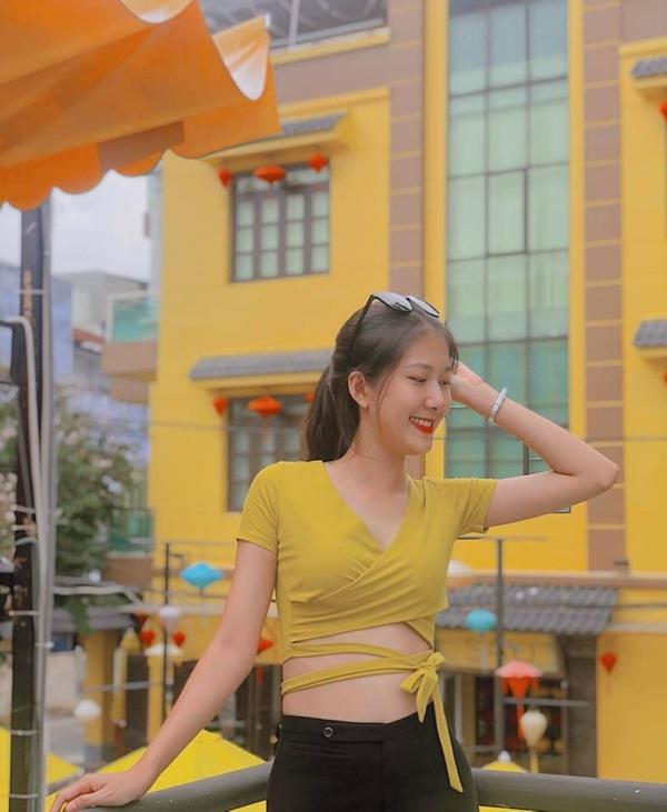 Bị tố sửa mũi, nữ sinh 2K1 tìm đến Hoa hậu Việt Nam để chứng minh mình đẹp tự nhiên - Ảnh 9
