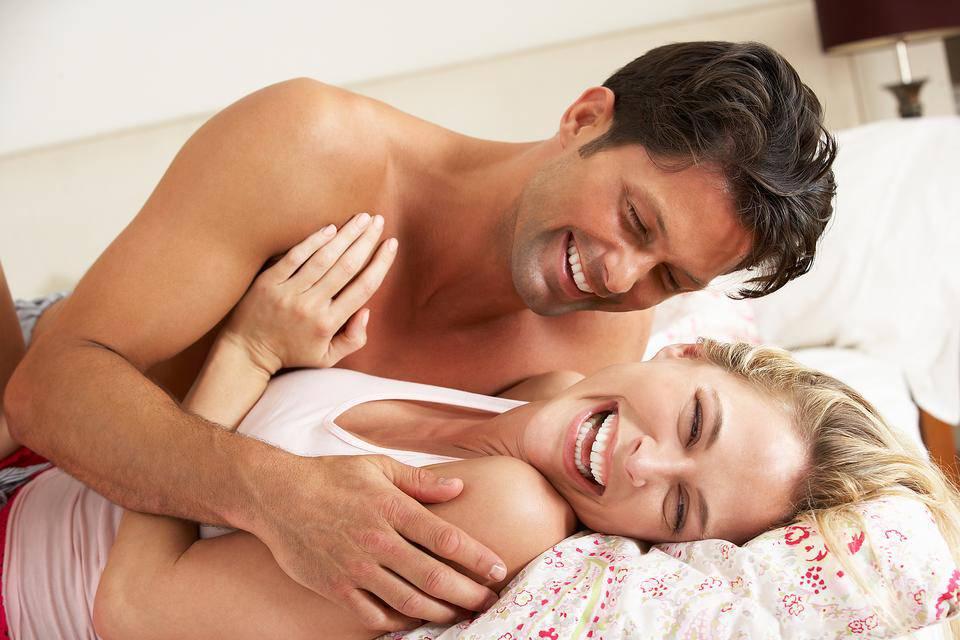 4 thói quen gây hại không ngờ nhiều cặp đôi mắc phải khi 'quan hệ' - Ảnh 2