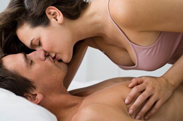 """5 dấu hiệu cơ thể tố cáo đang thiếu """" chuyện yêu"""" - Ảnh 2"""