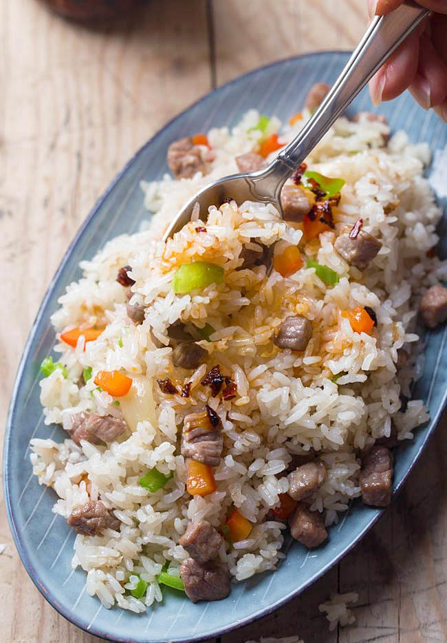 Cơm rang thịt bò đơn giản, dễ nấu mà ngon miệng cho bữa sáng - Ảnh 3