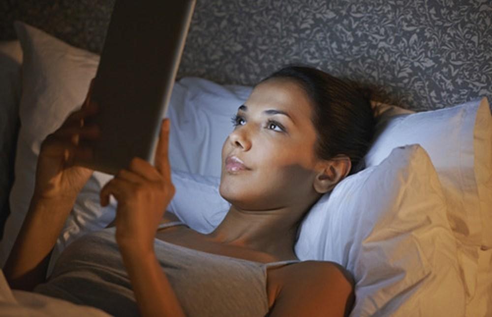 Những loại bệnh phụ khoa mà con gái dễ gặp phải vì thói quen thức khuya - Ảnh 1