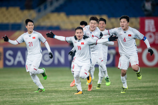 Các sao Việt hứa thưởng cho U23, đã có những ai thực hiện lời hứa? - Ảnh 1