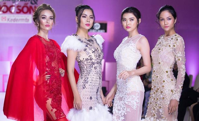 Vietjet xin lỗi Lại Thanh Hương sau vụ mặc bikini đón U23 Việt Nam - Ảnh 1