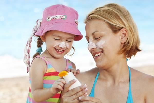 Cách sử dụng kem chống nắng an toàn cho trẻ nhỏ - Ảnh 1