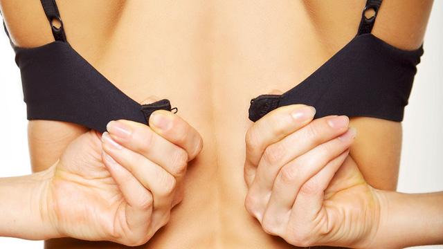 11 thói quen xấu làm hỏng bộ ngực của bạn một cách nhanh chóng - Ảnh 1