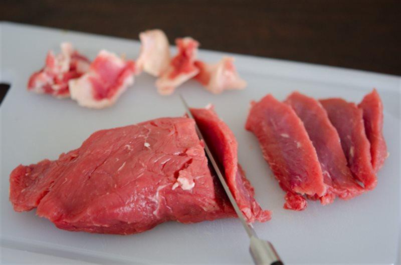 Người tập gym nên ăn nhiều thịt bò để tốt cho cơ bắp