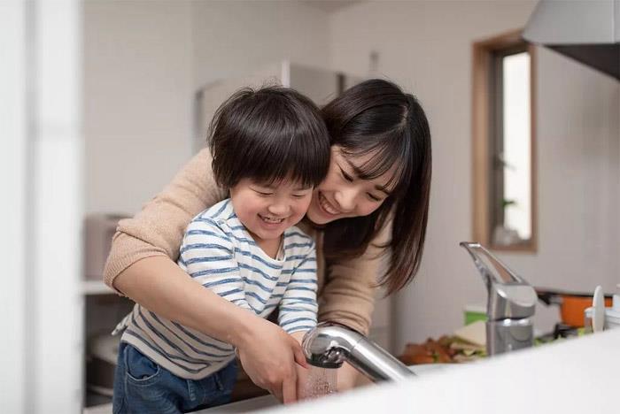 Đối mặt với dịch corona, cha mẹ nên hướng dẫn con tự bảo vệ bản thân thế nào? - Ảnh 1