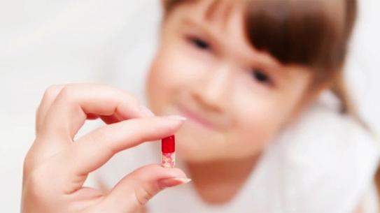 3 sai lầm nghiêm trọng khi dùng kháng sinh chữa các bệnh ngày hè cho trẻ phần lớn mẹ Việt đều mắc - Ảnh 1