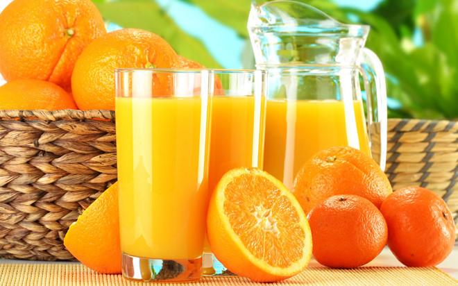 Uống nước cam vào buổi tối có tốt hay không? - Ảnh 1