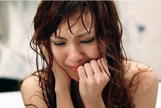 Vợ trẻ nuốt nước mắt sống chung cùng bồ nhí và con riêng của chồng - Ảnh 1