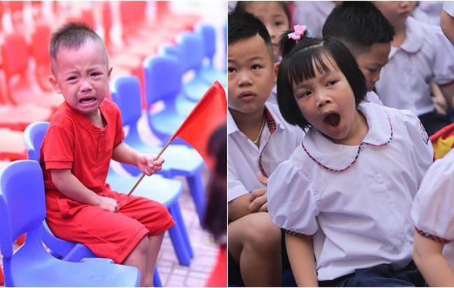 Chùm ảnh hài hước: Các em nhỏ khóc mếu, ngáp ngủ trong ngày khai giảng - Ảnh 12