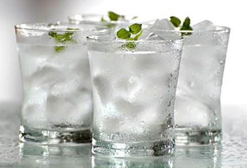 Những loại nước hại hơn... thuốc độc, tuyệt đối không uống khi vừa ngủ dậy - Ảnh 2