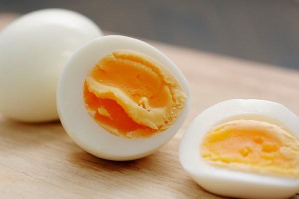 Ăn trứng gà theo cách này, LỢI ÍCH THÌ ÍT MÀ HẠI SỨC KHỎE THÌ NHIỀU, hại chẳng khác nào mắc UNG THƯ - Ảnh 1