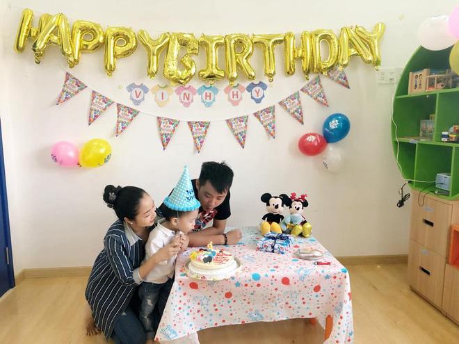 Bận chạy show ngày Tết, Ốc Thanh Vân vẫn tranh thủ tổ chức sinh nhật cho con trai yêu - Ảnh 4