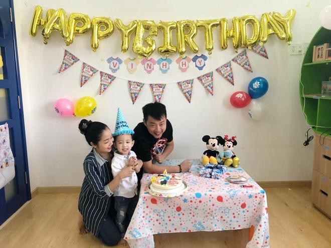 Bận chạy show ngày Tết, Ốc Thanh Vân vẫn tranh thủ tổ chức sinh nhật cho con trai yêu - Ảnh 9
