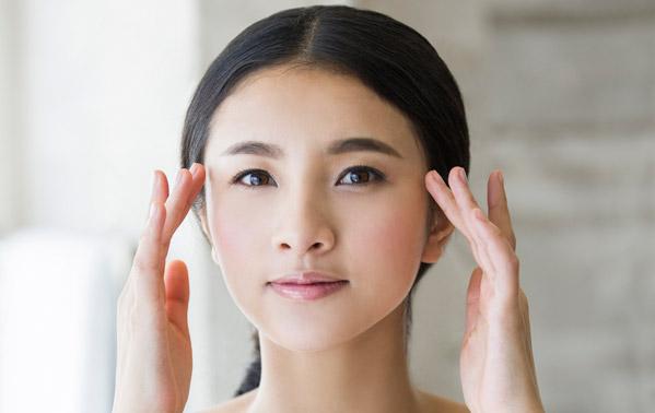 Massage mặt cải thiện tuần hoàn máu, dưỡng da đẹp nhất