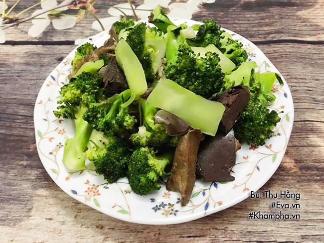 Nem rán giòn tan, canh cải nấu cá nóng hổi hấp dẫn cho bữa chiều - Ảnh 6