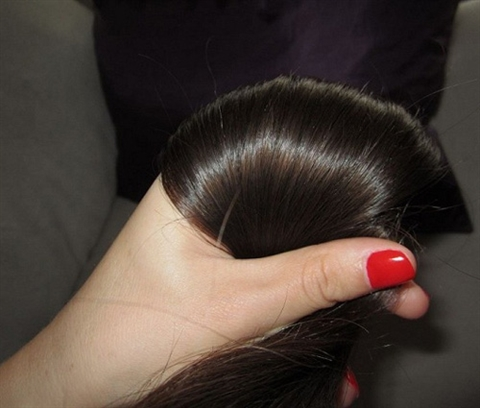 Mẹo nhuộm tóc đen tự nhiên không độc hại, không tốn kém - Ảnh 1