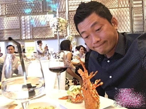 Cuộc sống sung sướng của diễn viên Kinh Quốc sau khi lấy vợ đại gia