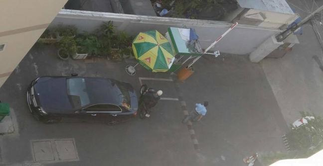 SỐC: HH Kỳ Duyên bị hàng xóm tố kém văn hóa, về khuya đậu xe giữa cổng - Ảnh 3