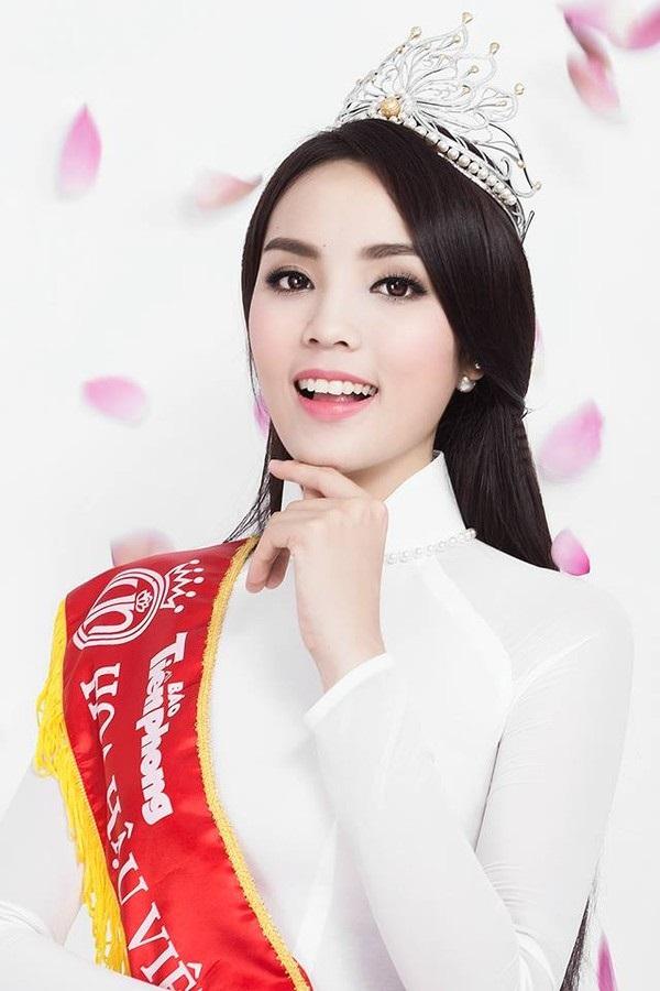 Tin tưởng vào phẫu thuật thẩm mỹ, nhiều sao Việt đánh mất vẻ đẹp trời sinh khiến nhiều người tiếc nuối - Ảnh 10