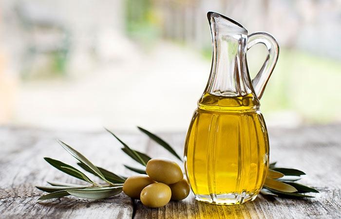 Phương pháp làm đẹp da nhờn với dầu oliu nguyên chất tác dụng không ngờ