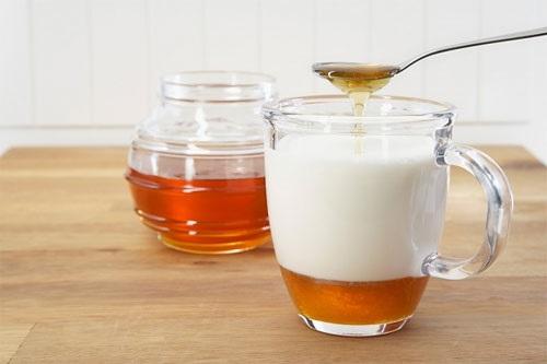 Công thức làm đẹp da với dầu oliu và mật ong, sữa chua nhiều tác dụng