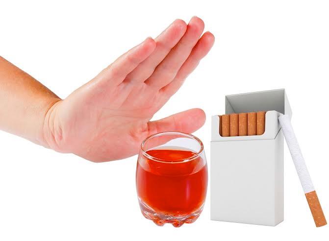 Tránh xa thuốc lá, cà phê để có một hàm răng khỏe đẹp tự nhiên