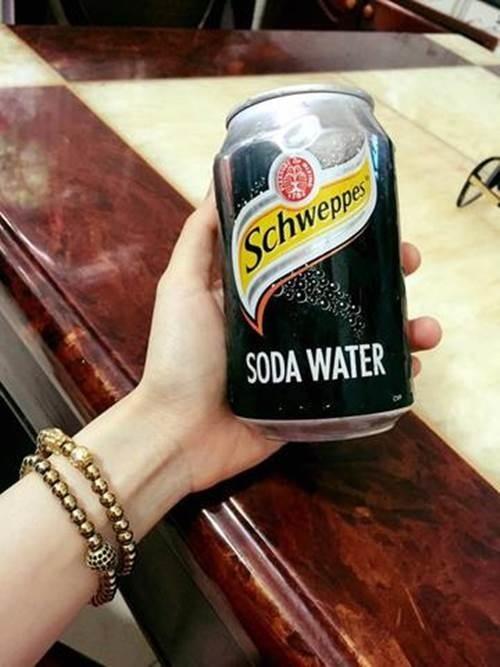 Tốn 10 triệu đi spa cũng không ăn thua bằng 30 giây ngâm mặt với nước soda chỉ 10k theo cách này - Ảnh 1