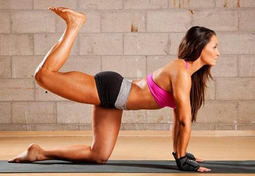 Tập thể dục làm đẹp vòng 3 sau sinh nhanh chóng