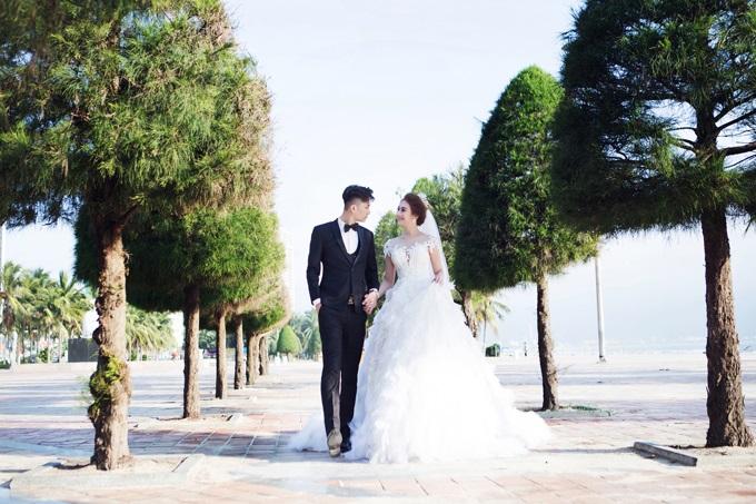 Ngắm trọn vẹn bộ ảnh cưới đẹp như mơ của Lâm Khánh Chi và chồng trên biển  - Ảnh 12