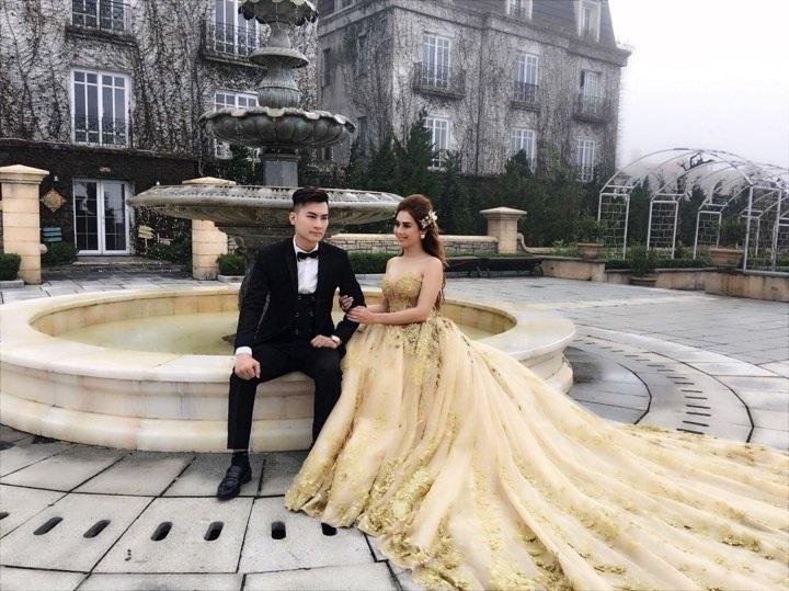Lâm Khánh Chi bật mí về đám cưới siêu khủng: 'Váy cưới của tôi hoành tráng lắm, có 1-0-2 tại Việt Nam' - Ảnh 1