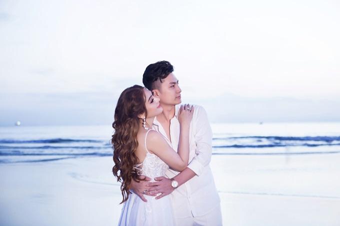 Ngắm trọn vẹn bộ ảnh cưới đẹp như mơ của Lâm Khánh Chi và chồng trên biển  - Ảnh 4