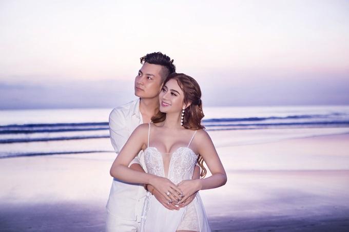 Ngắm trọn vẹn bộ ảnh cưới đẹp như mơ của Lâm Khánh Chi và chồng trên biển  - Ảnh 5