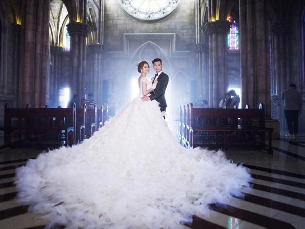Lâm Khánh Chi bật mí về đám cưới siêu khủng: 'Váy cưới của tôi hoành tráng lắm, có 1-0-2 tại Việt Nam' - Ảnh 6