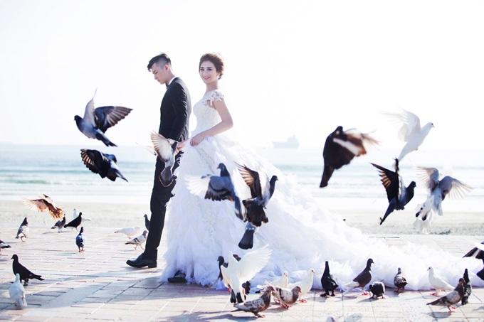 Ngắm trọn vẹn bộ ảnh cưới đẹp như mơ của Lâm Khánh Chi và chồng trên biển  - Ảnh 9