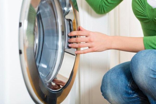 Bỏ túi ngay mẹo vệ sinh máy giặt siêu dễ dưới đây nếu không muốn rước cả tá bệnh vào người - Ảnh 3