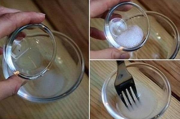Pha giấm ăn và muối để súc miệng theo cách này, cao răng cứng như vôi cũng sạch bong tức thì chỉ sau 3 phút - Ảnh 3