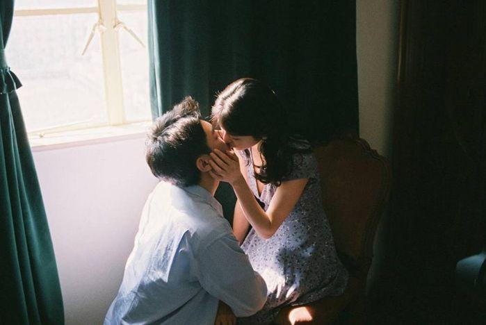 Những hành động vô cùng nhỏ khi trên giường lại chứng tỏ đàn ông yêu thật lòng, bạn là người phụ nữ vô cùng may mắn! - Ảnh 1