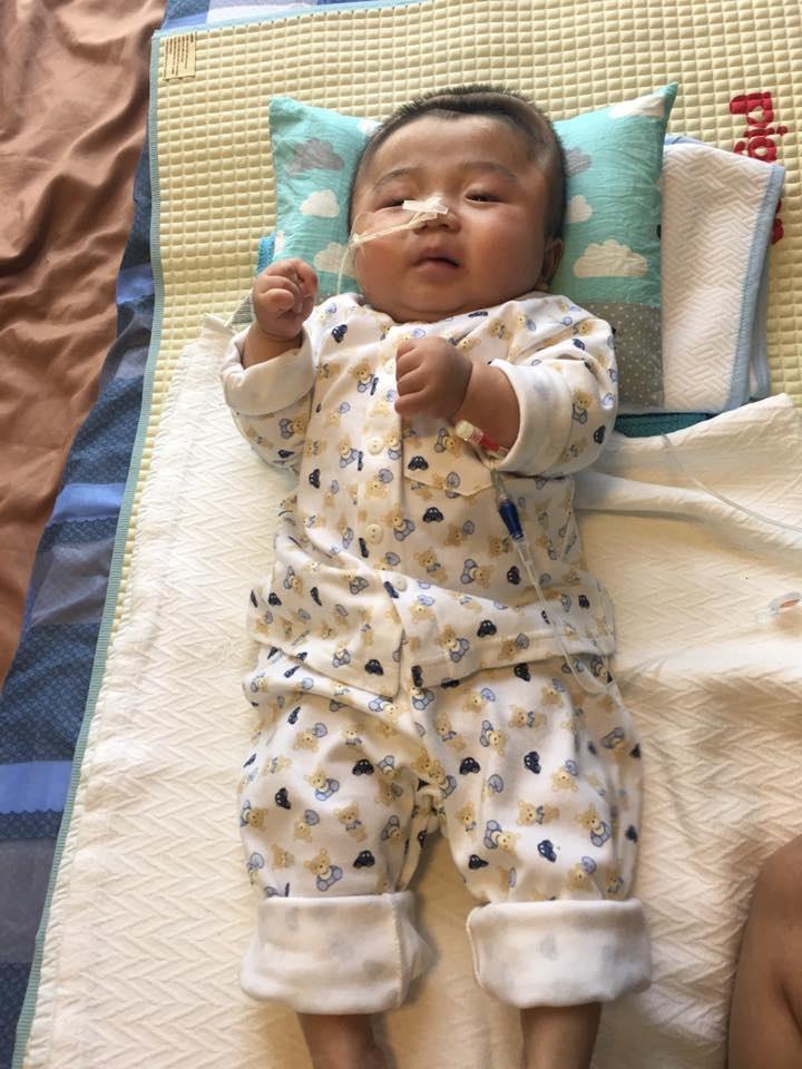Lần đầu chứng kiến bé Phạm Đức Lộc làm điều này khiến nhiều người xúc động - Ảnh 3