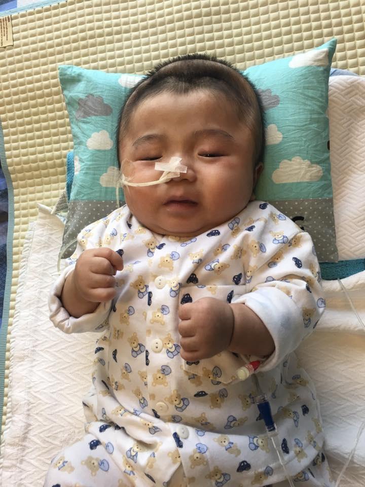 Lần đầu chứng kiến bé Phạm Đức Lộc làm điều này khiến nhiều người xúc động - Ảnh 4