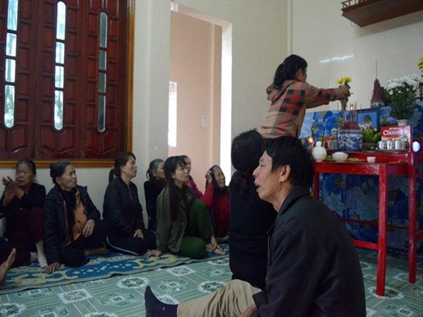 Lao động Việt tử nạn tại Đài Loan: Cha mẹ gào khóc trước bàn thờ, đau đớn nhớ thương con - Ảnh 3