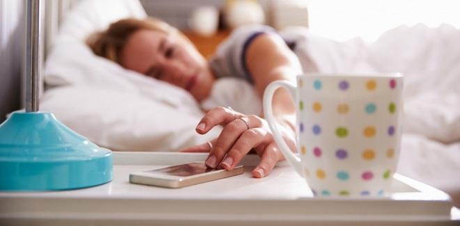Siêu mẫu Jodie Kidd và cuộc thử nghiệm thức khuya: Chỉ trong 5 ngày mà da bị tàn phá khủng khiếp - Ảnh 3