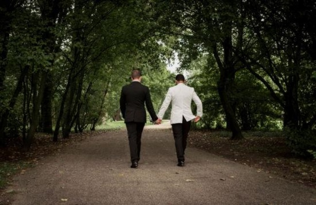 Rơi nước mắt với tâm sự của những người phụ nữ lấy nhầm chồng là người đồng tính - Ảnh 2