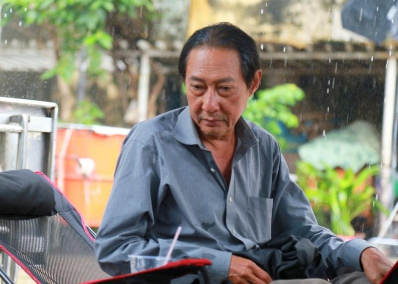 Nghệ sĩ Lê Bình nổi trận lôi đình khi bị giới truyền thông khơi lại chuyện vợ cờ bạc nợ nần, con nghiện ngập - Ảnh 1